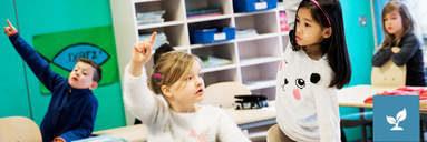 Børn i klasselokale
